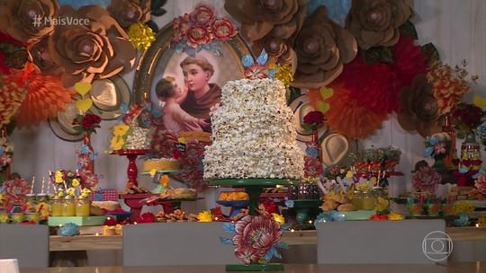 Decoração de festa junina: veja como fazer bolo de pipoca, flores de papel kraft e enfeites de chita