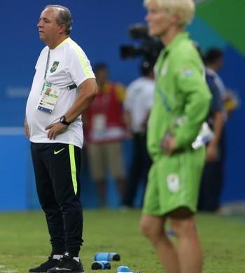 Vadão Brasil x África do Sul (Foto: Reuters)