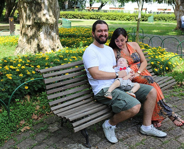 Juntos há três anos, Marco e Karina são pais do pequeno Alexandre (Foto: Larissa Moggi)