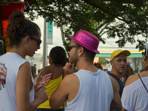 Foliões se pintaram para curtir bloco de pré-carnaval em Piracicaba (Foto: Carol Giantomaso/G1)