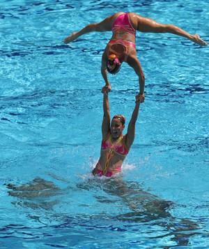 Lara Teixeira, na rotina livre por equipe do nado sincronizado na Rio 2016 (Foto: Satiro Sodré / SSPress / CBDA)