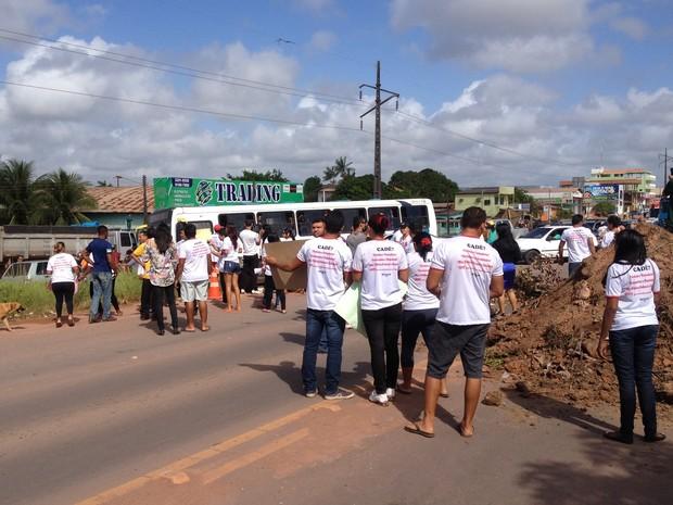 G1 Manifestantes Interditam Rodovia Federal Na Zona
