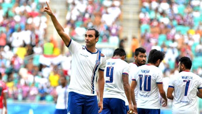 Léo Gamalho comemora gol do Bahia contra o Feirense (Foto: Romildo De Jesus / Futura Press)