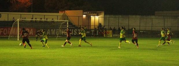 Flamengo-PI x Picos Copa Piauí 2013 (Foto: Wenner Tito/GLOBOESPORTE.COM)
