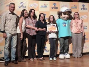 Prêmio da categoria 'Narrativa de Aventura' ficou com Lívia Machado Siqueira (Foto: Ana Paula Yabiku/G1)