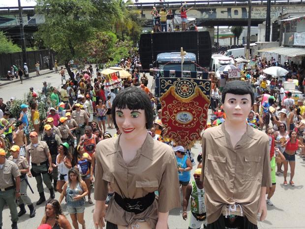 Saída do bloco Camburão da Alegria, no Recife (Foto: Luna Markman / G1)