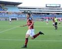 De volta ao time titular, Viçosa elogia estilo de jogo eficiente do Atlético-GO