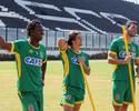 Com cautela, Vasco trata renovação de trio de titulares para a Série B