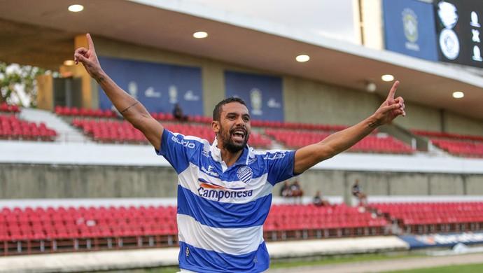 Douglas CSA (Foto: Ailton Cruz/Gazeta de Alagoas)
