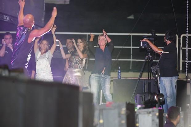Xuxa usa blusa transparente em show de Ivete Sangalo (Foto: Felipe Panfili/AgNews)