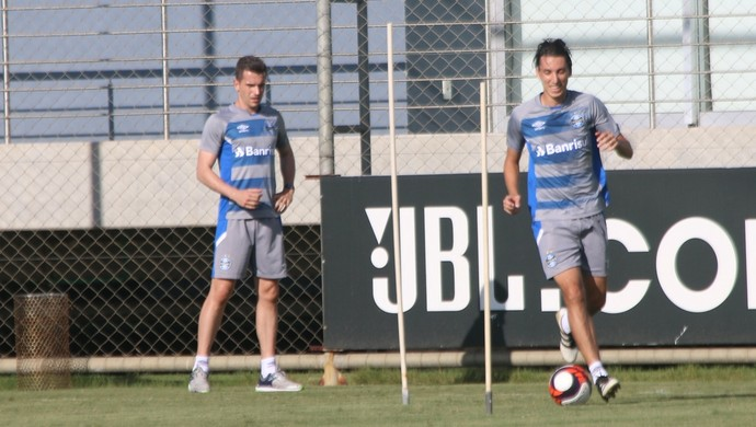Pedro Geromel treino Grêmio (Foto: Tomas Hammes/GloboEsporte.com)