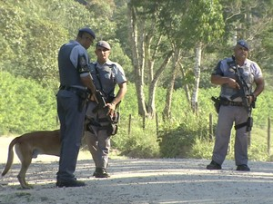 Três criminosos são mortos durante operação policial em Caraguatatuba (Foto: Reprodução/TV Vanguarda)