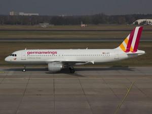 Airbus A320, da companhia alemã Germanwings, no aeroporto de Berlim, na Alemanha, em março de 2014 (Foto: Jan Seba/Reuters/Arquivo)