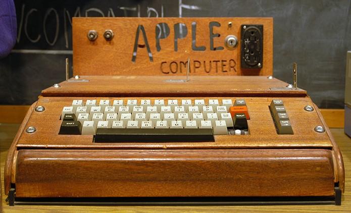 Grande precursor da computação pessoal, o Apple I foi construído por Steve Wozniak em 1976 (Foto: Reprodução/Creative Commons)