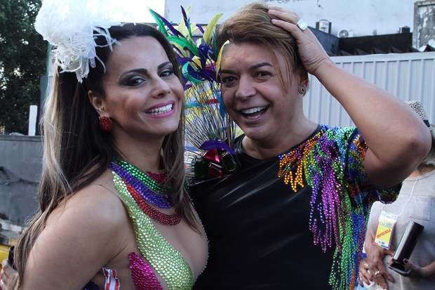 Vivi Araújo e David Brazil na 16ª Parada LGBT de Madureira  (Foto: Anderson Borde / agnews)