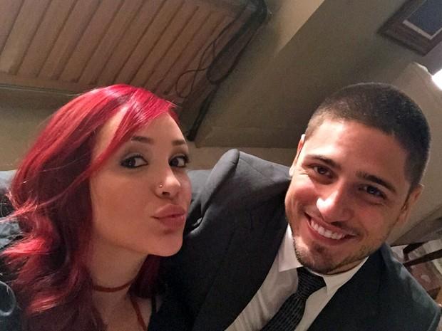 Josie e Daniel fazem selfies durante bastidores (Foto: Arquivo Pessoal)