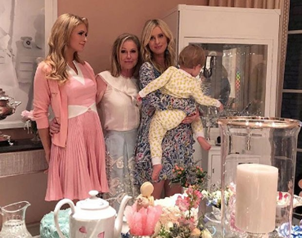 Paris, Kathy, Nicky Hilton e Lilly (Foto: Reprodução)
