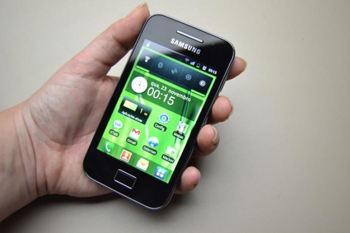 Galaxy Ace, smartphone Android lançado em 2011 pela Samsung (Foto: Stella Dauer/TechTudo)