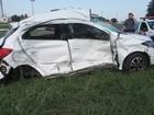 Mulher morre após batida entre carro e caminhão em General Salgado, SP