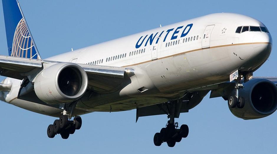 Avião da United Airlines: empresa vem sendo criticada após expulsar passageiro (Foto: Divulgação)