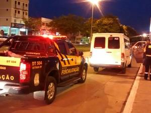 Blitz no Gama contra transporte pirata (Foto: Detran/Divulgação)