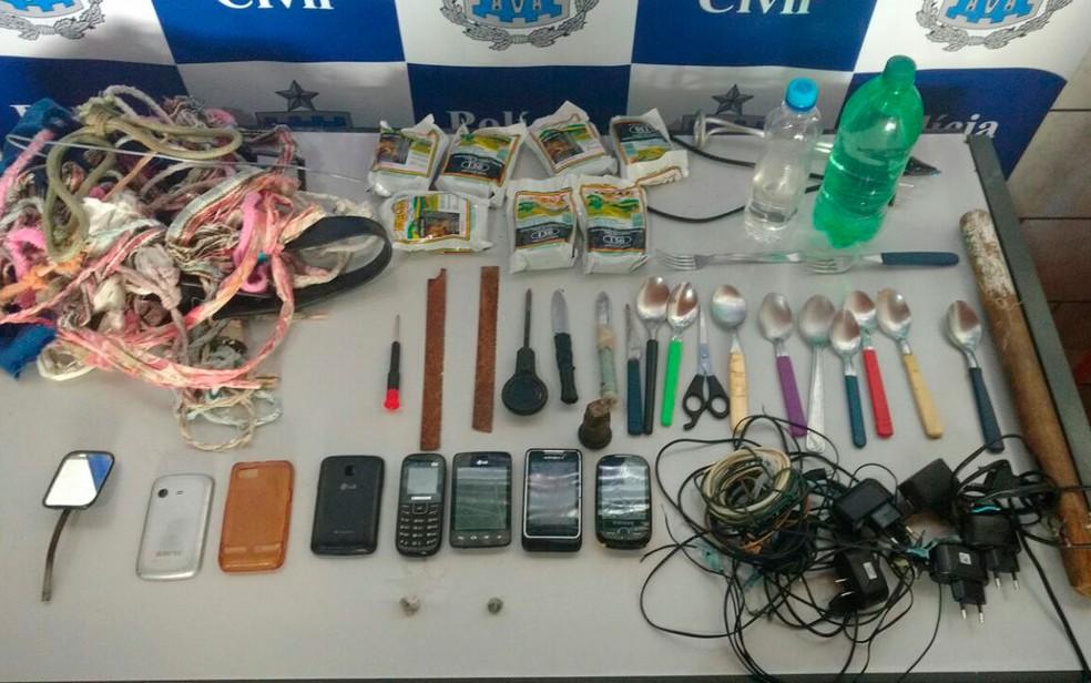 Material foi apreendido em revista nas celas da 14ª Delegacia, na Barra, em Salvador (Foto: Polícia Civil/ Divulgação)