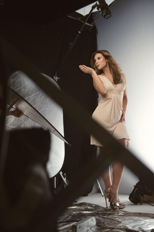 Making-of da campanha da atriz Paolla Oliveira para a marca Paixão (Foto: Divulgação / Paixão)