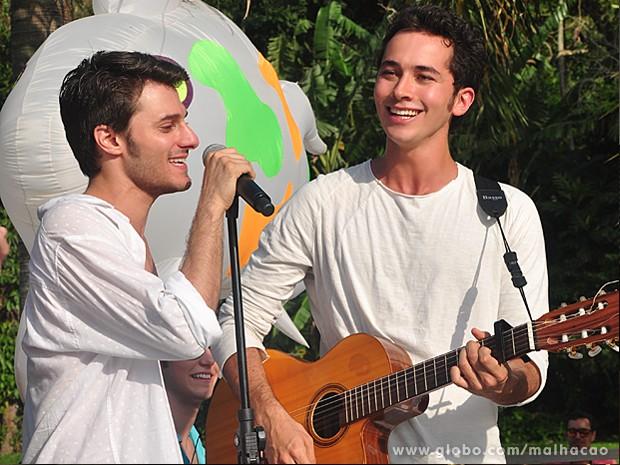 Hugo Bonemer e Gabriel Falcão são muito amigos na vida real (Foto: Malhação / TV Globo)