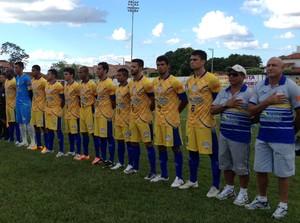 Times do Tocantinópolis e Interporto antes da partida (Foto: Fabrício Soveral/GloboEsporte.com)
