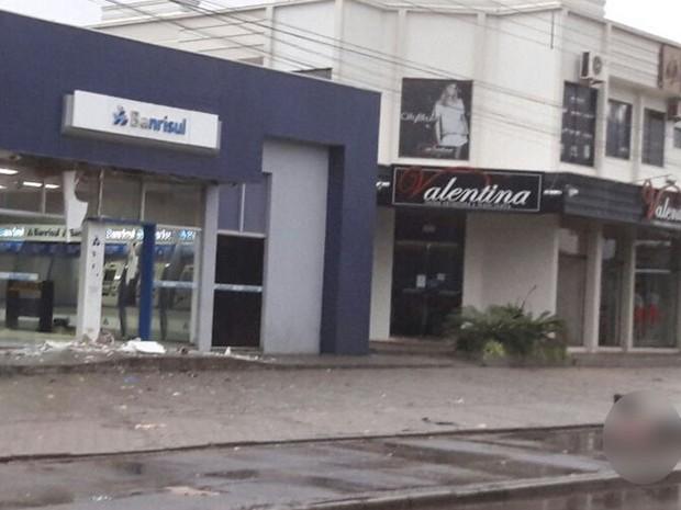 G1 - Explosão em agência bancária deixa um morto no Litoral Norte Banc Terre on