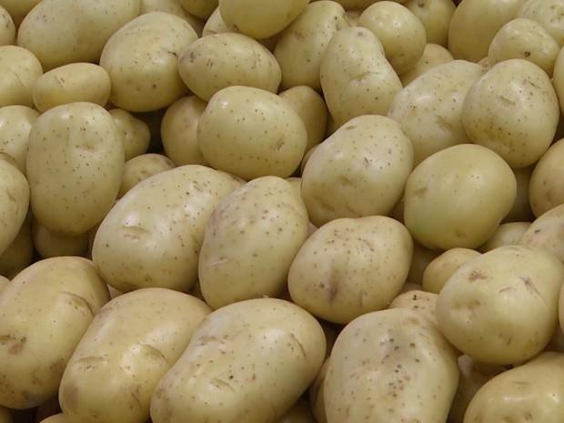 O preço do quilo da batata teve alta de 114% em abril em Ribeirão Preto, SP (Foto: Reprodução/EPTV)