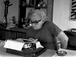 Jorge Amado em Salvador no ano de 1972 (Foto: Zélia Gattai/Acervo Fotográfico Zéllia Gattai)