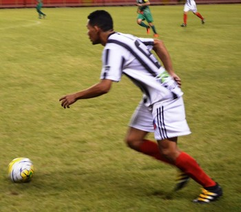 Gilberto, lateral e atacante do Humaitá (Foto: Duaine Rodrigues)