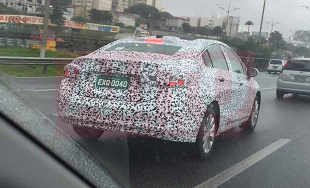 Novo Chevrolet Cruze flagrado em testes em São Bernardo do Campo (Foto: Kamir Gomes Jabor/Autoesporte)