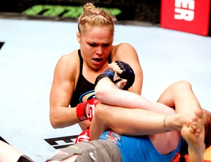 Ronda Rousey na luta contra Sarah Kaufman (Foto:  Esther Lin / SHOWTIME / Strike Force)