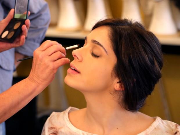 Itália tem maquiagem leve, com olhos em tom de nude (Foto: Maria Clara Lima/ Gshow)
