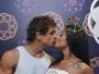 Aline Riscado beija Felipe Roque e fala de ciúmes: 'Mulheres assanhadas'