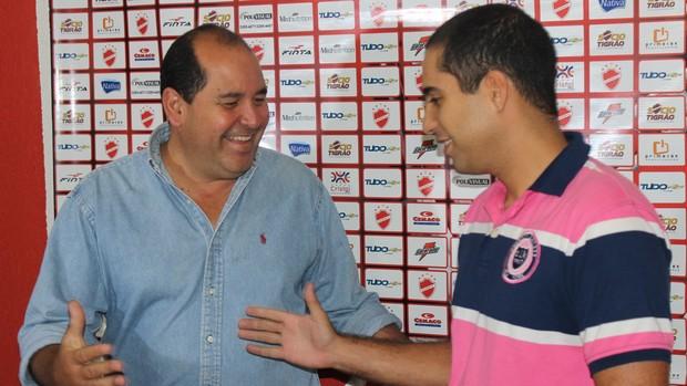 Marcos Martinez e Hugo Jorge Bravo - Vila Nova (Foto: Fernando Vasconcelos / Globoesporte.com)