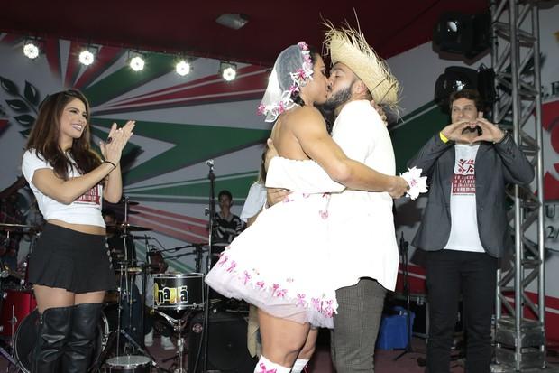 Gracyanne e Belo (Foto: Rafael Cusato/Brazil News)