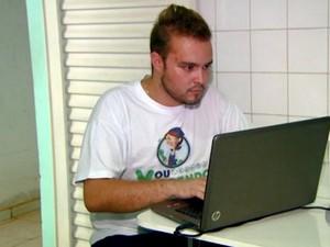 Reinaldo Amaral criou site que agencia diaristas em Limeira (Foto: Jefferson Barbosa/EPTV)