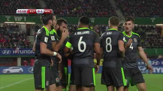 """Bale não marca, mas dá """"passe"""" de lateral, e Gales empata com a Áustria"""