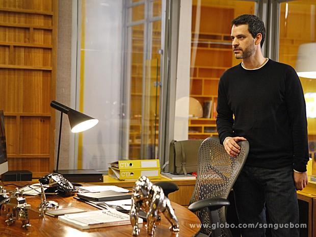 Natan se aproveita das ideias de sua mulher para arrasar na carreira (Foto: Sangue Bom/TV Globo)
