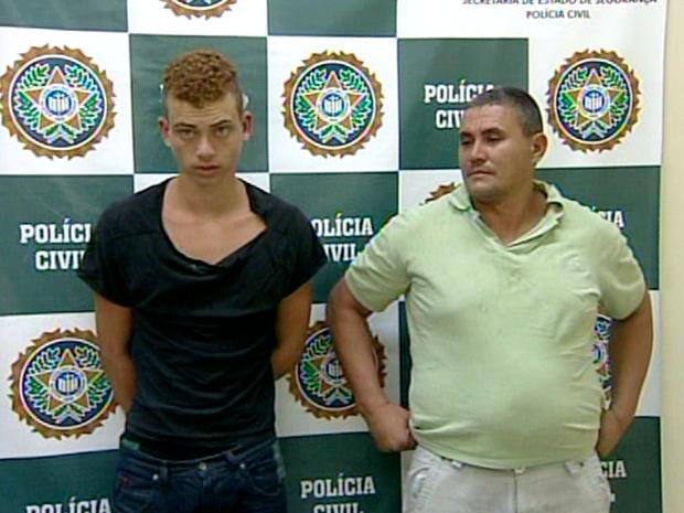 Homens foram presos quando tentaram fugir a pé (Foto: Reprodução / Inter TV)