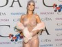 Relembre as famosas mais bem-vestidas no CFDA Awards