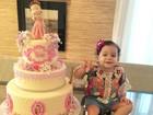 Thyane Dantas mostra foto do bolo de festa da filha com Wesley Safadão