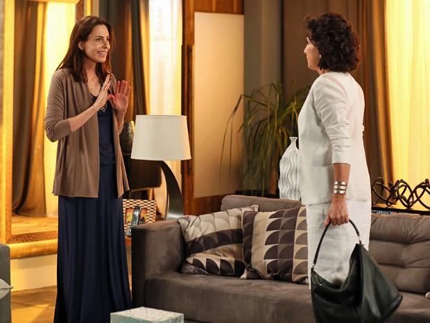 Úrsula e Adriana falam de Laura em tom de mistério (Foto: Isabella Pinheiro/Gshow)