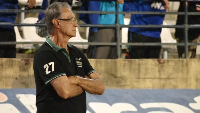 Treinador do Corinthians-AL, Ênio Oliveira (Foto: Caio Lorena / Globoesporte.com)