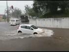 Forro de restaurante desaba por causa da chuva em Marília