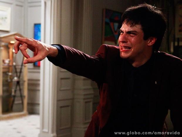 """Foi pancada!"", revela Mateus Solano, sobre cena com Paolla Oliveira (Foto: Ellen Soares / TV Globo)"