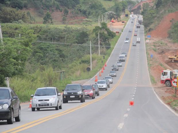 Rodovia dos Tamoios terá velocidade reduzida (Foto: Carlos Santos/G1)
